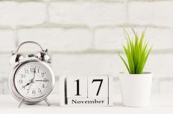 Otevírací doba prodejen - 17.11.2019