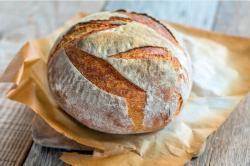Křupavý domácí chléb z trouby