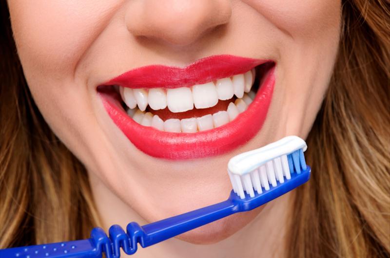 Poradíme vám, jak na domácí profesionální zubní hygienu