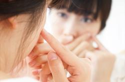 5 zlozvyků, kvůli kterým si ničíme pleť!