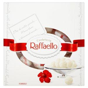 Ferrero Raffaello Oplatka s náplní a celou mandlí zdobená strouhaným kokosem 260g